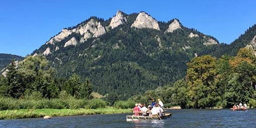 traditionl raft on the Dunajec River